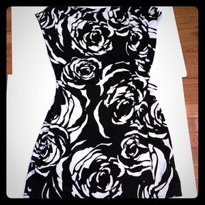 Black house white market dress